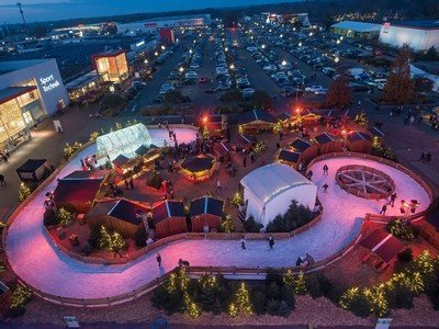 Eislaufbahn Wintermarkt Dodenhof