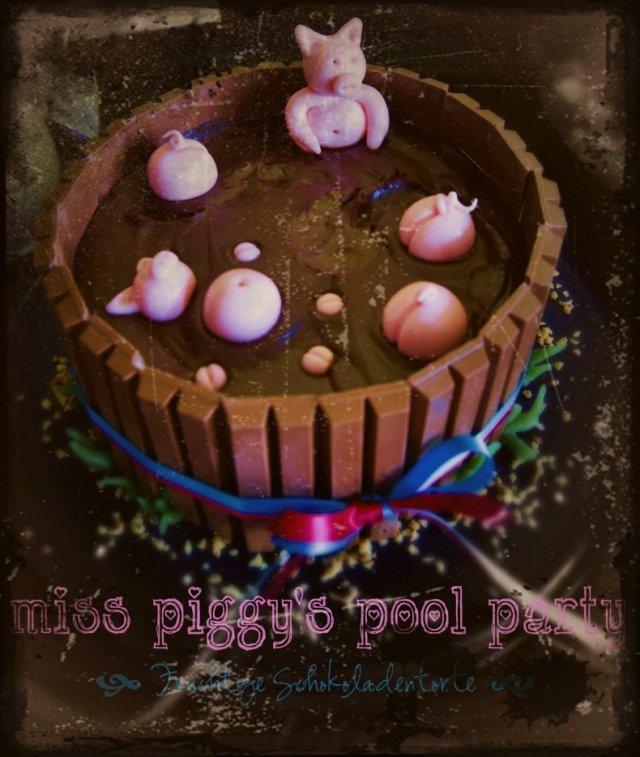 miss-piggys-pool-party-vintage.jpg