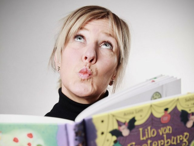 """""""Ich schreibe nicht, um Kindern etwas beizubringen"""". Interview mit Anna Lott"""