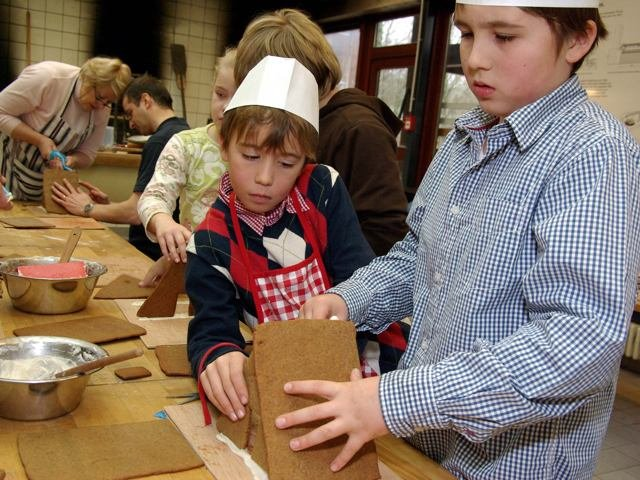 Weihnachtsbäckerei in der Museumsakademie