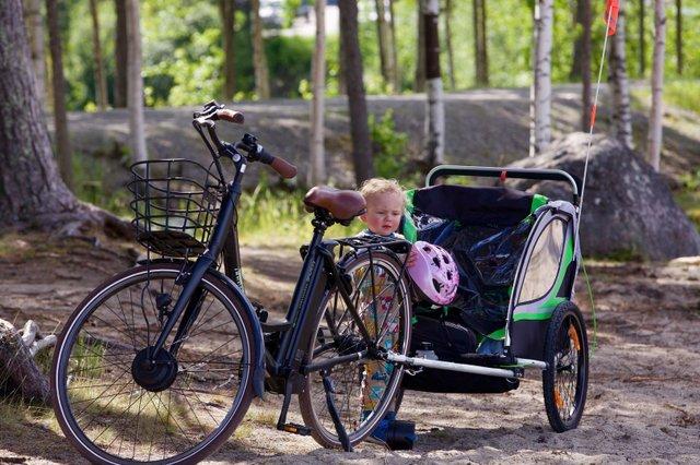 Kinder im Fahrradanhänger – ab wann?