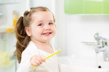 Karies schon im Kindesalter vorbeugen