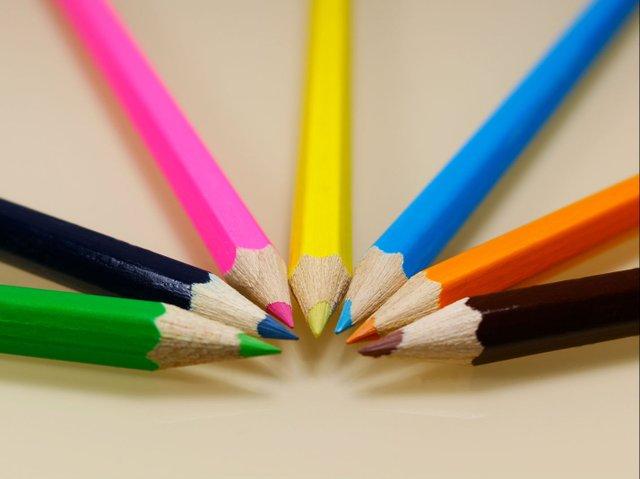 Stifte, I-vista  / pixelio.de