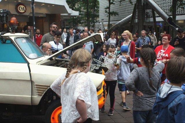 LaStradaAuto_Kinderfest17_(c)JaschaBuchner.jpg