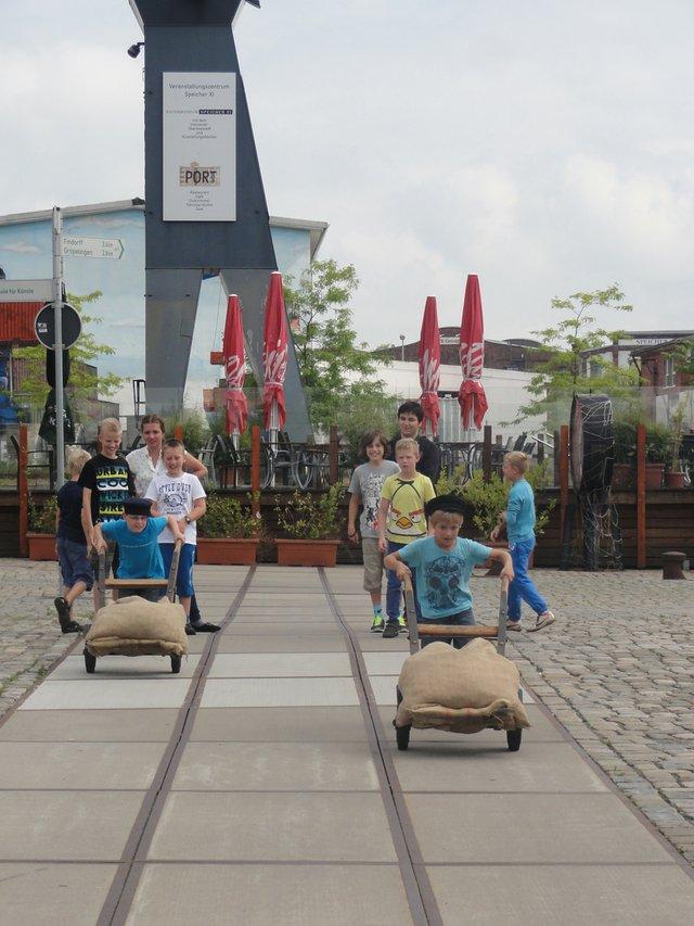 Sackkarrenrennen, Hafenmuseum Speicher XI