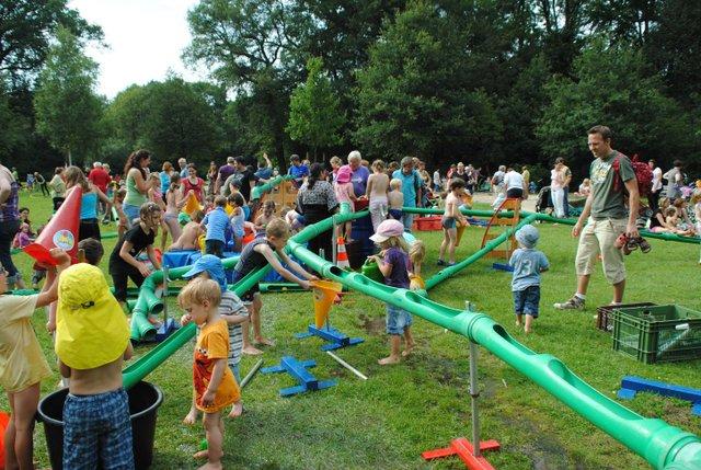 Die Wasserbaustelle beim Spieltreff im Bürgerpark