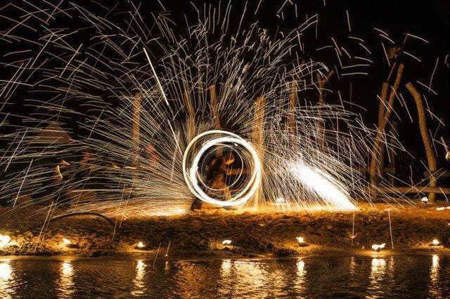 Lagune in Flammen