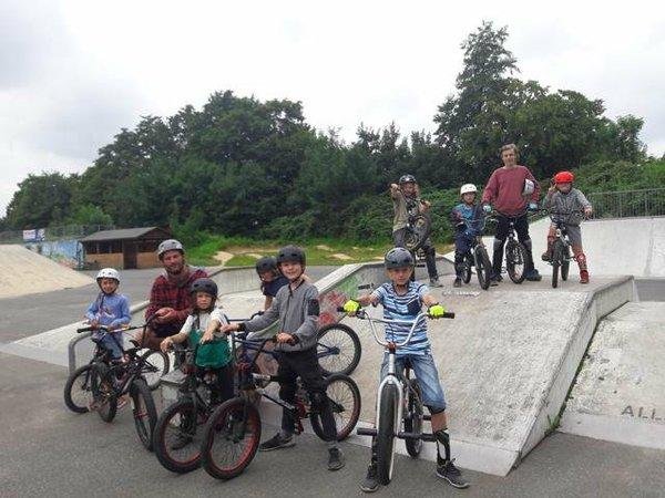 1 - Outdoor Sport und Spiel_HB_Jul18_Schule und Verein_BMX Foto_VHS Süd.jpg