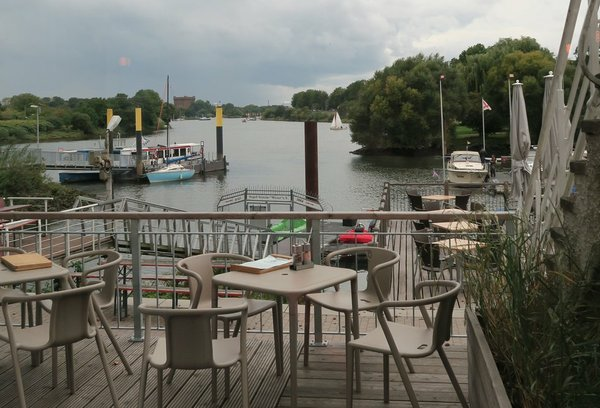 Bootshaus am Weserbogen (3) (Cropped)