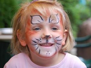 Kinderschminken am Luchstag